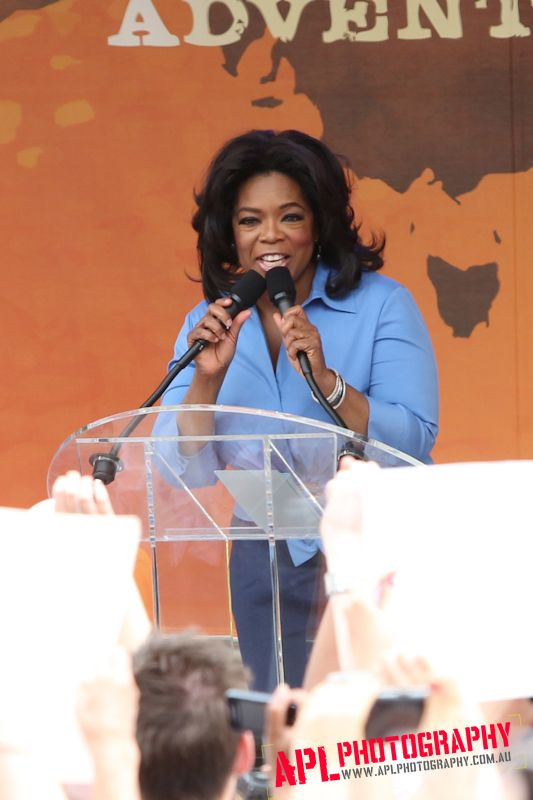 Oprah Snapped by APL